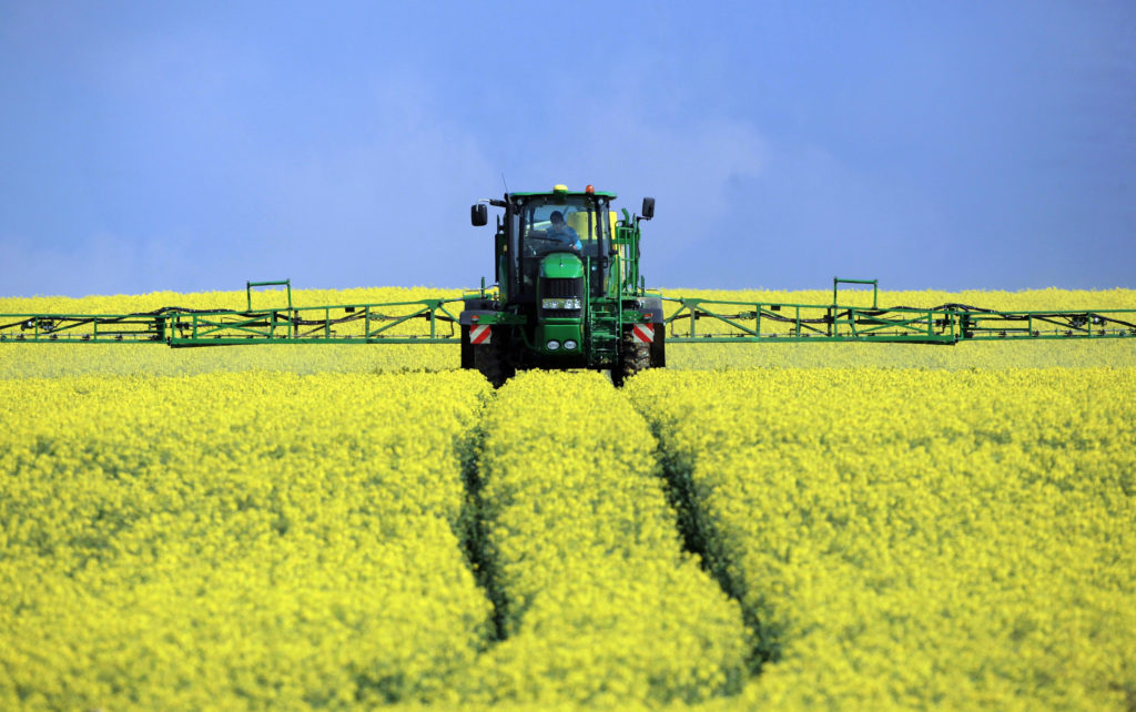 Britain's farmers get £3bn a year from the inefficient CAP ...